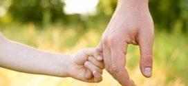 No cabe indemnización por daño moral por ocultarle su paternidad
