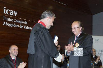 La abogacía valenciana premia a Pedro Luis Viguer por sus méritos en Justicia