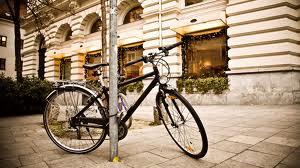 No cabe legalmente que peatones y bicicletas circulen por un mismo espacio
