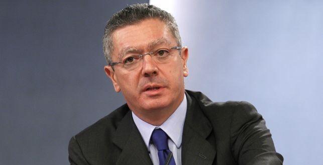 Ruiz-Gallardón firma un acuerdo de colaboración tecnológica con el Consejo General de la Abogacía