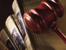 La fecha a tener en cuenta para computar el plazo para reclamar por la prestación de servicios profesionales de un abogado es la fecha de entrega de la venia entre los letrados
