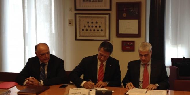 Justicia y los Colegios de Abogados de Cataluña firman un acuerdo para impulsar la mediación