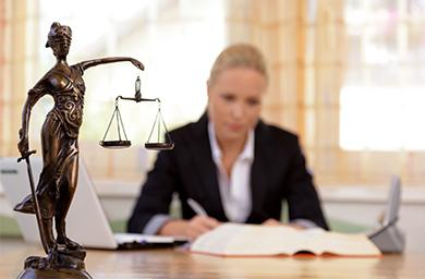 Claves para conseguir el look adecuado para un abogado