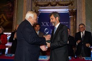 D. Manuel Olivencia, vicepresidente de Cuatrecasas recoge el Premio Pelayo para juristas de reconocido prestigio