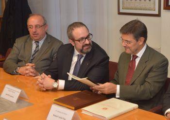 La Abogacía Catalana pide al ministro de Justicia una ley de segunda oportunidad para reducir los desahucios y paliar los efectos de la crisis