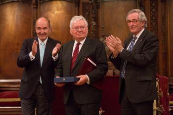 Roca Junyent concede el Primer Reconocimiento Derecho y Sociedad al juez de la Corte Internacional de Justicia, Thomas Buergenthal