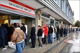 Rajoy firma hoy con sindicatos y empresarios la nueva ayuda a parados