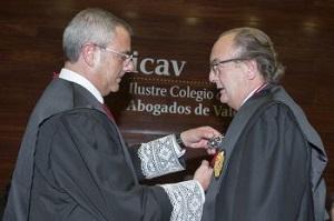 Justicia concede la Cruz de San Raimundo de Peñafort al Decano del ICAV, Mariano Durán