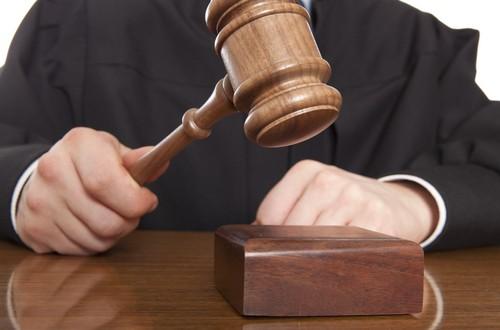 """""""Si los jueces tuvieran que abstenerse cada vez que coinciden en un caso con un compañero de la facultad, les resultaría imposible administrar justicia"""""""