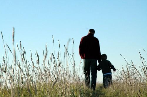 Reconocido como derecho laboral el que un padre lleve a su hijo a la guardería