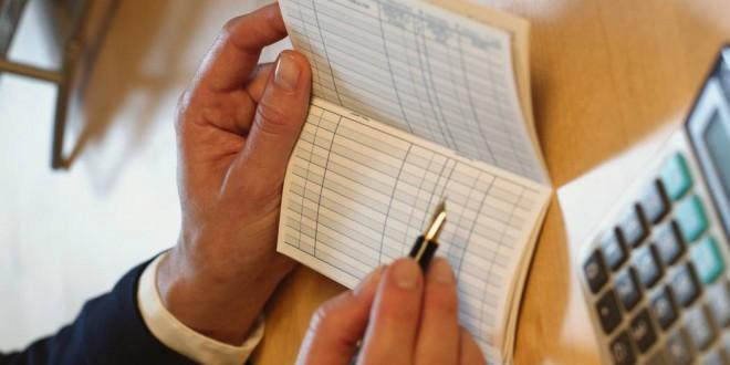 Existe obligación de identificar y comunicar la residencia fiscal de los titulares de cuentas financieras