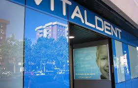 Las franquicias de Vitaldent obligadas a responder ante sus clientes