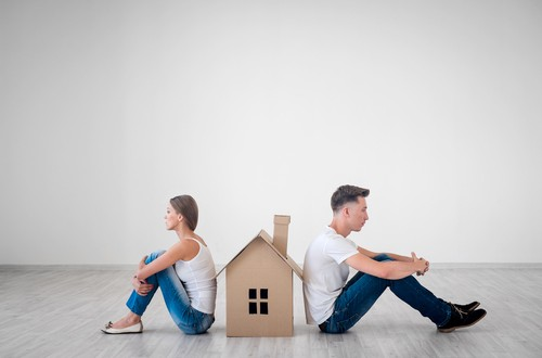 En una vivienda común se admite el uso por turnos cuando sea imposible el uso compartido