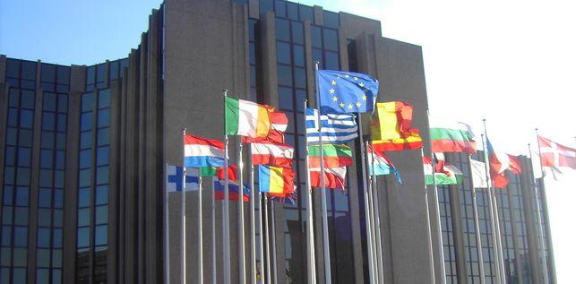 El TJUE dispone que denegar prestaciones sociales a nacionales de otros Estados miembros en los tres primeros meses no es discriminatorio