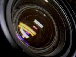 No atenta contra el honor la emisión de un programa con cámara oculta pese a que provocase el despido de la persona grabada