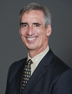Oliver Luck nombrado nuevo vicepresidente ejecutivo de reglamentación en la NCCA