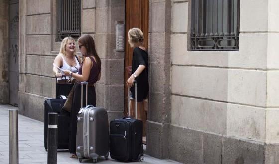El uso de pisos turísticos en una comunidad de propietarios no es contrario a la convivencia normal