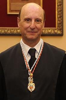 El Gobierno condecora al académico Don Fernández de Buján y Fernández con la Cruz de San Raimundo de Peñafort