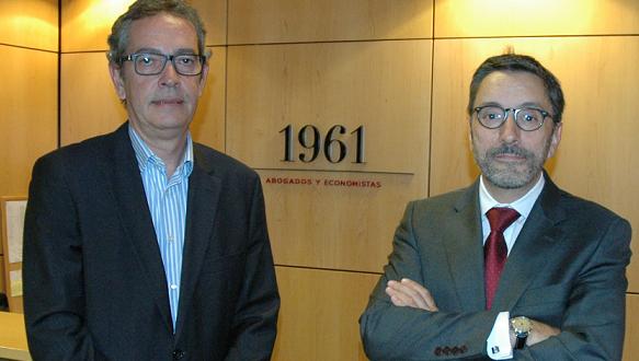 1961 Abogados y Economistas integra al bufete Ignacio Fernández