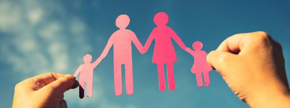 custodia compartida padres manos
