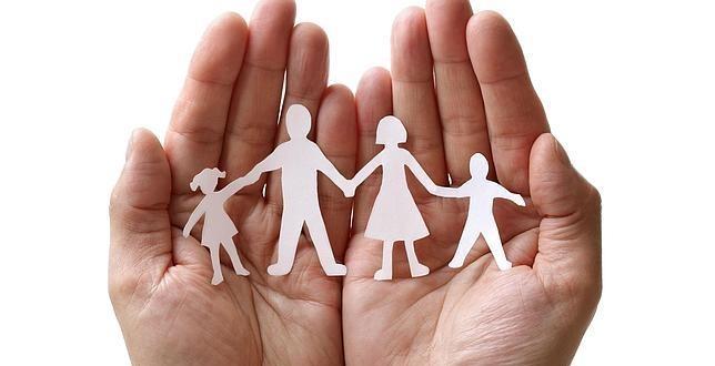 Los progenitores no tienen legitimidad para plantear una demanda de paternidad en nombre de sus hijos si hay intereses contrapuestos