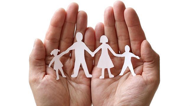 familia mano paternidad progenitores