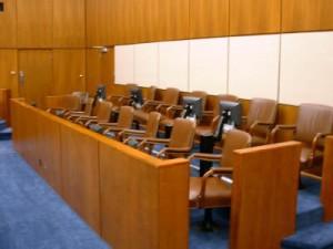 La inclusión de valoraciones jurídicas en el veredicto del jurado no deriva en nulidad si del relato de los hechos permanece la subsunción jurídica