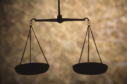 El deber de motivación constitucional se extiende a cualquier acto administrativo que limite el ejercicio de derechos fundamentales