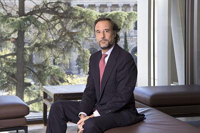 Jones Day incorpora a Carlos Albiñana como Socio de Fiscal en la oficina de Madrid