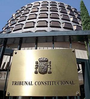 El Constitucional aprueba sin unanimidad la reforma para inhabilitar a cargos públicos