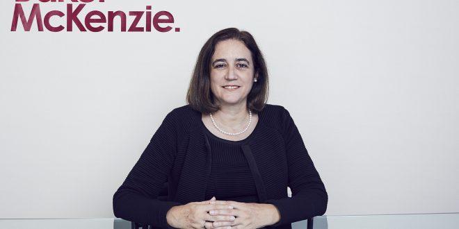 Baker McKenzie elige a Montserrat Llopart nueva socia directora de la oficina de Barcelona