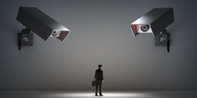 Se puede vigilar con cámara a los empleados sin avisarles