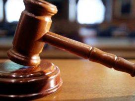 No invalida la prueba, el hecho de que los testigos estén presentes cuando declara el acusado