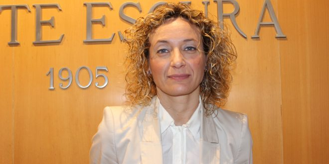 Rocío Martín, de Bufete Escura, ponente en una jornada sobre la prestación de servicios de dermocosmética en las farmacias