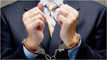 Un juez condena a una abogada al considerarla cómplice de su clienta en la ocultación de sus hijos a su padre