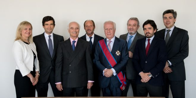 Juan Alfonso Santamaría Pastor recibe la Gran Cruz de la Orden de San Raimundo de Peñafort