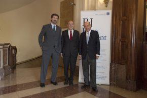 Roca Junyent concede a Javier Solana el IV Premio Derecho y Sociedad por su trayectoria al servicio de la convivencia