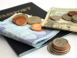 Debe ser declarada en los aeropuertos de la UE cualquier cantidad de efectivo superior a 10000 euros