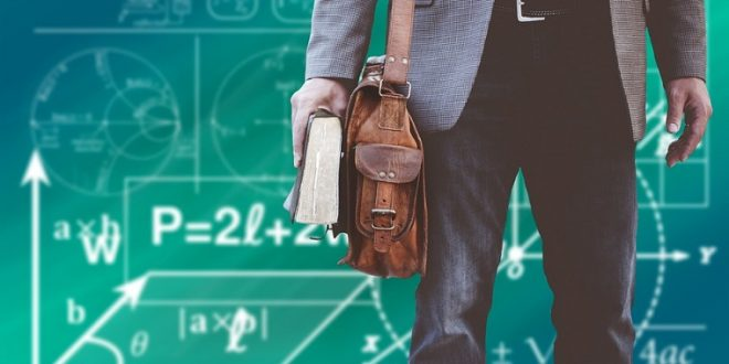 Es discriminatorio que los profesores interinos cesen en verano y vuelvan en septiembre