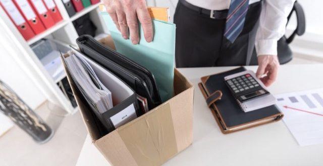 Las primas de seguros de vida y médico deben computarse en la indemnización por despido