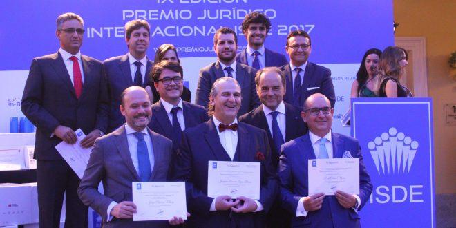"""Se entregan los """"Premios a la Excelencia en Práctica Jurídica Isde 2016"""""""