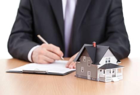 Condenan a un banco a pagar la totalidad de los gastos de notario y registro de una hipoteca