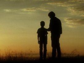 La responsabilidad civil de un padre por un delito de su hijo puede ser atenuada