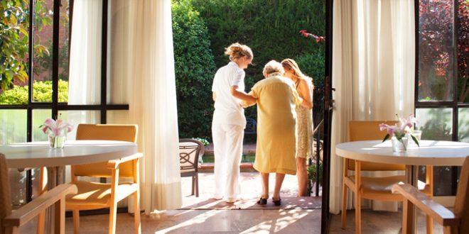 Condenada la directora de una residencia de mayores de Bilbao por estafar 66.000 euros a una anciana