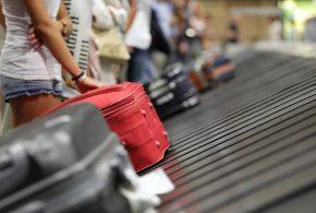 224 euros de multa para el padre que metió a su hijo en una maleta