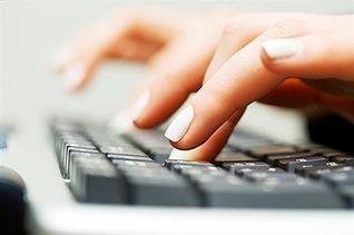 ¿Se puede enviar publicidad o correos comerciales a través de correo electrónico?