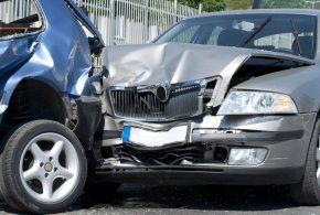 Demanda por delito de lesiones producida por accidente de tráfico contra la aseguradora, la cual se niega a pagar