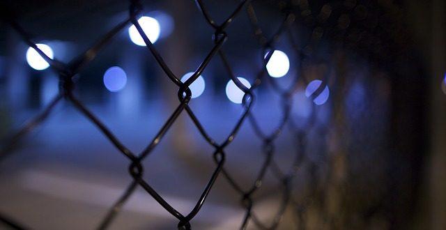 Delito contra la salud pública. El acusado no comparece. Auto de busca, captura e ingreso en prisión. Desestimación del recurso de súplica