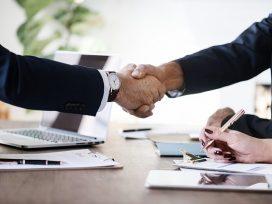 Se aplica analógicamente la ley sobre contratos de agencia para el contrato de distribución en relación a la indemnización a la clientela