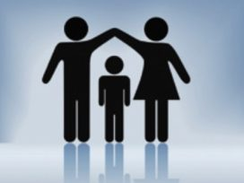 Demanda de modificación de medidas por independencia de hija común mayor de edad que convivía con el demandado. Solicitud de pensión de alimentos para la hija menor que convive con la demandante